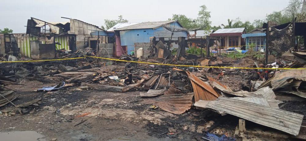 Kebakaran di Teluk Nilau.