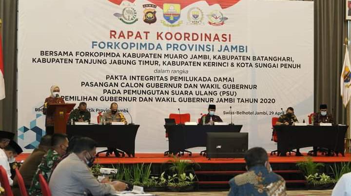 FU-SN Tak Hadir, CE-Ratu dan Haris-Sani Tandatangani Pakta Integritas Jelang PSU.