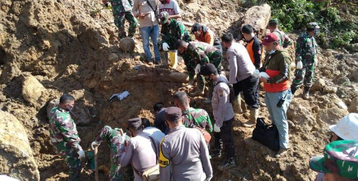 Musibah tanah longsor di Kecamatan Batang Toru, Kabupaten Tapanuli Selatan, Provinsi Sumatera Utara.