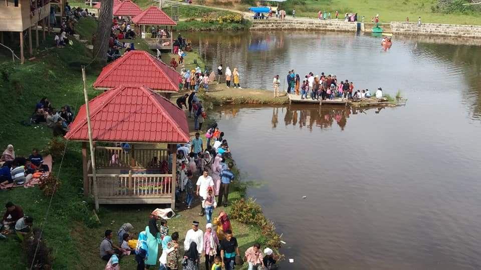 Wisata taman pertiwi yang ramai dikunjungi saat lebaran tahun lalu.