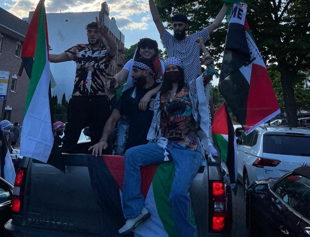 Bella Hadid mengikuti aksi dukungan terhadap Palestina