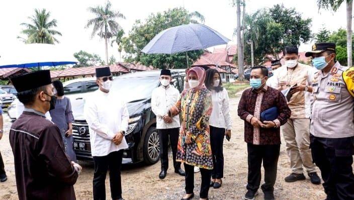 Pj Gubernur Jambi bersama Kapolda Jambi dan Plt Kadinkes Provinsi Jambi saat meninjau Ruso Bapelkes
