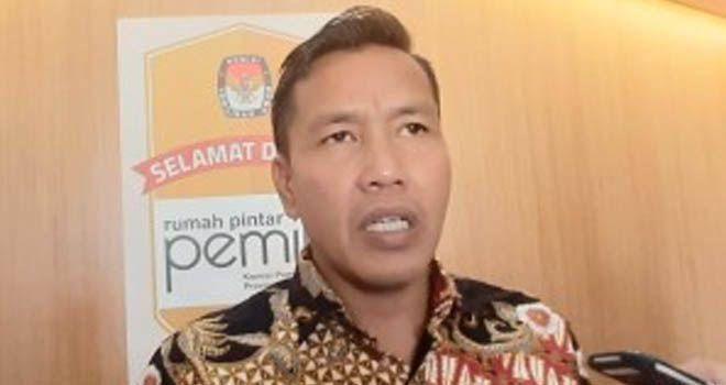 Komisioner KPU Provinsi Jambi, Apnizal.